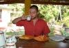 Zdravá snídaně z papayi a ananasu