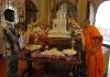 Chrám Buddhova zubu - věřící