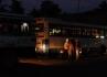 Noční život v Embilipitiya I.